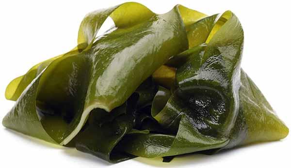 Салат из морской капусты.