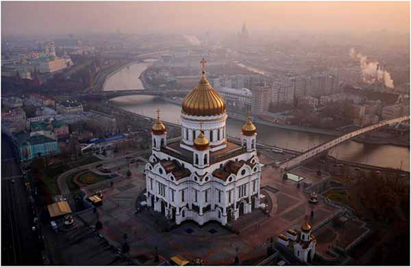 Храм Христа Спасителя в Москве закрывается на…?