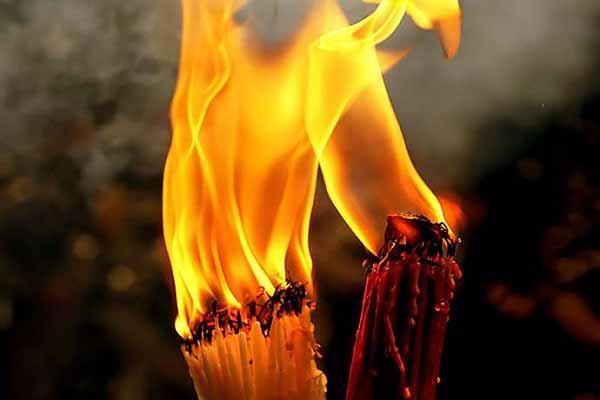 Схождение благодатного огня в Иерусалимском Храме Гроба Господня накануне Пасхи в 2021 году