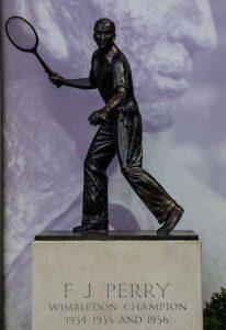 Статуя Фреда Перри Уимблдон